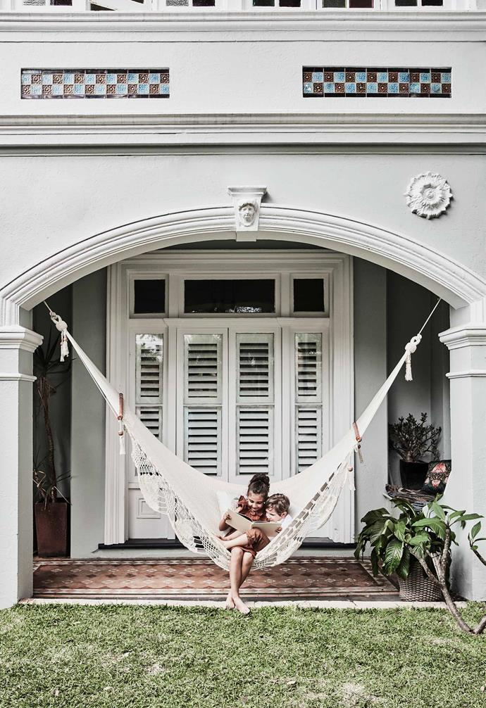 "In the family-friendly update of this [1885 Italianate Victorian home](https://www.homestolove.com.au/italianate-victorian-home-19959|target=""_blank"") plantation shutters are paired with glass bi-fold doors designed to connect the indoor with the outdoor.<br><br>"
