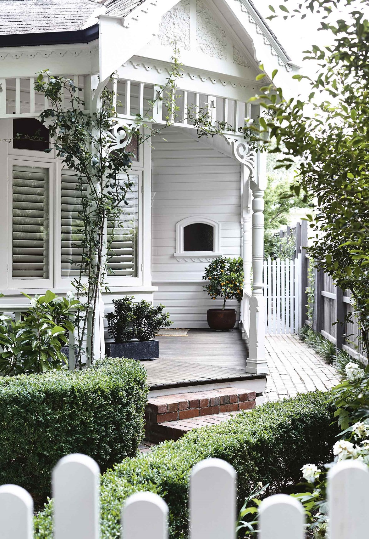 """This beautiful old [Edwardian home](https://www.homestolove.com.au/modern-scandi-edwardian-home-17373