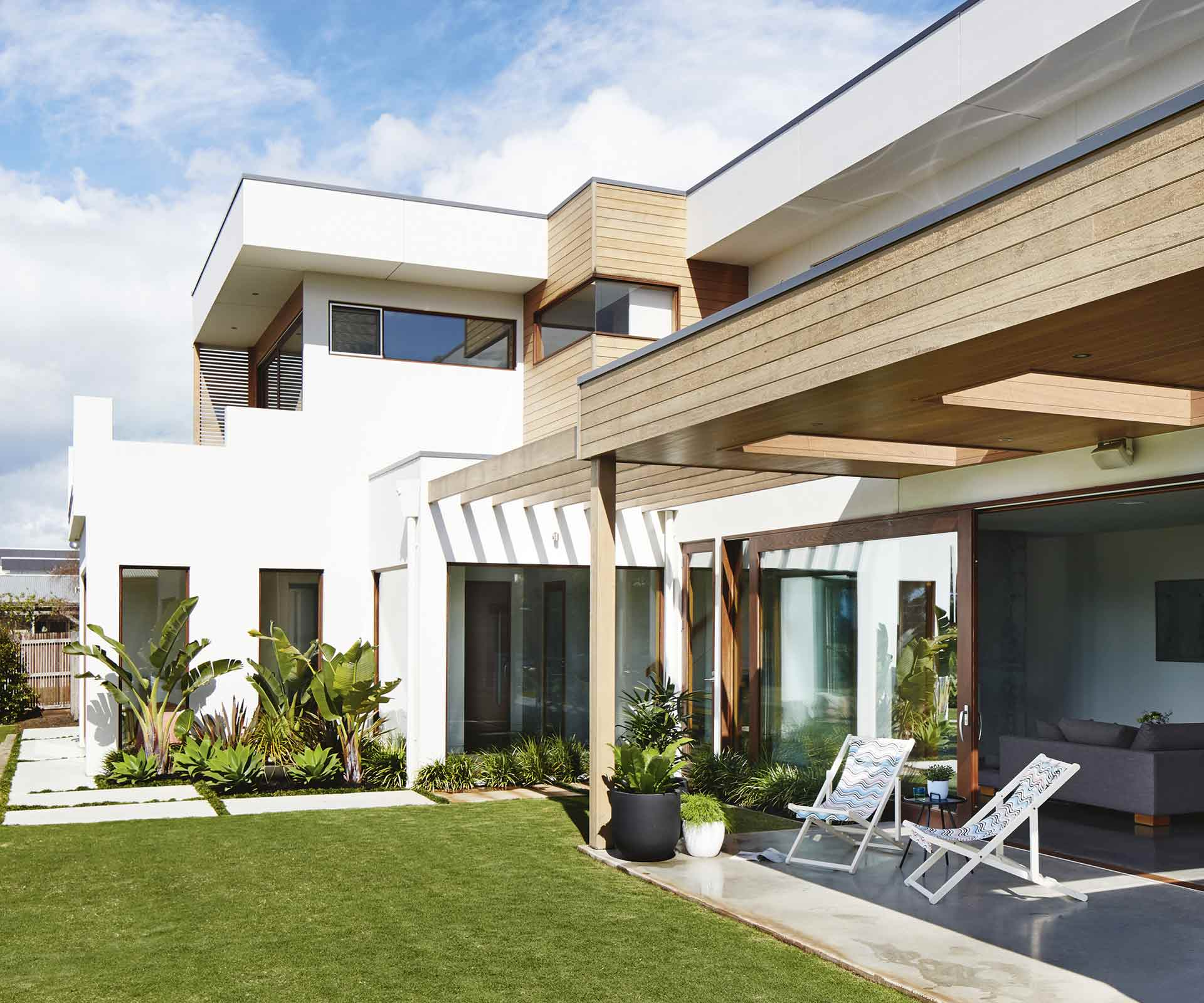 A contemporary beach house renovation in Torquay | Inside Out