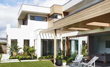 A contemporary beach house renovation in Torquay