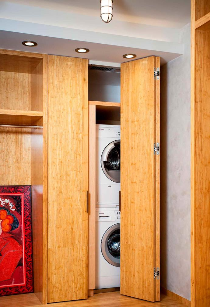 "The warmth of the timber cabinetry in this space by architect [Lilian H Weinreich](http://www.weinreich-architects.com/|target=""_blank""