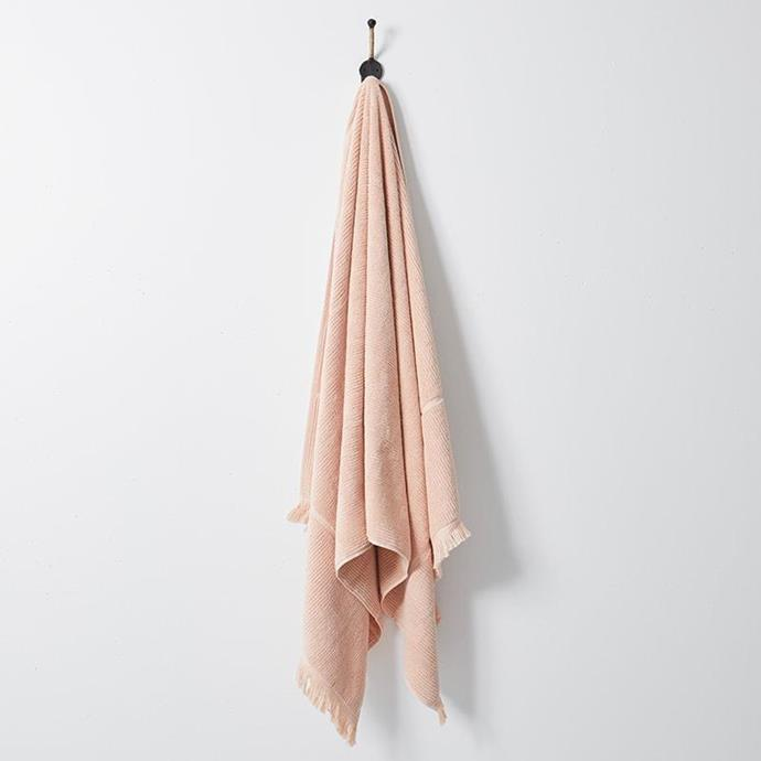 "Luxe Bath Sheet in Peach, $79, [The Beach People](https://thebeachpeople.com.au/collections/bath-towels/products/luxe-bath-sheet|target=""_blank""