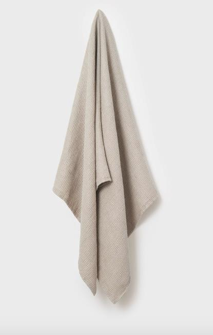 "Baltic Linen Waffle Bath Towel in Natural, $95, [Toast](https://www.toa.st/au/product/house+and+home+towels/65lab/baltic+linen+waffle+bath+towel.htm?clr=65LAB_Natural_sw|target=""_blank""