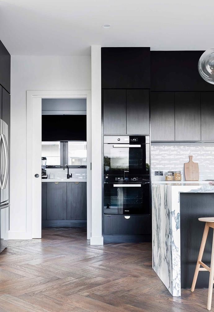 """After purchasing a [postwar bungalow in Brisbane](https://www.homestolove.com.au/contemporary-new-build-brisbane-by-sutcom-constructions-4857