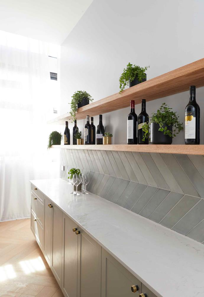 """In the 2018 season of [*The Block* Jess and Norm made a bold statement in their kitchen](https://www.homestolove.com.au/the-block-2018-norm-and-jess-apartment-tour-19127
