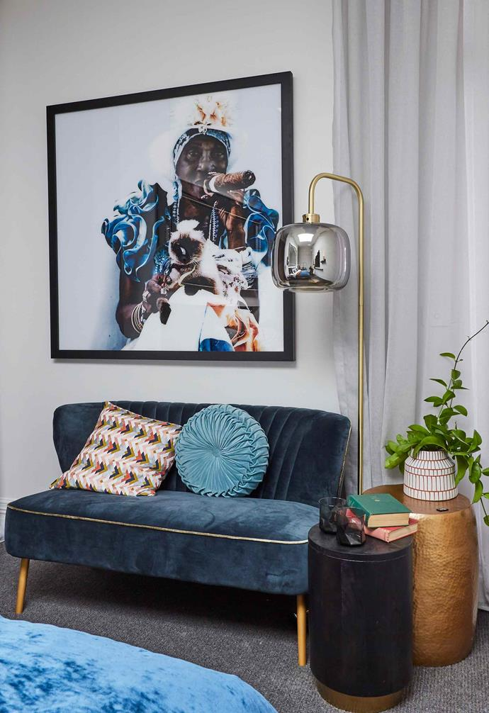 "**Week 3, Master Bedroom** Ample shades of blue added a pop of colour throughout the [master bedroom](https://www.homestolove.com.au/the-block-2019-master-bedrooms-20583|target=""_blank"") from the statement artwork to velvet seating bench."