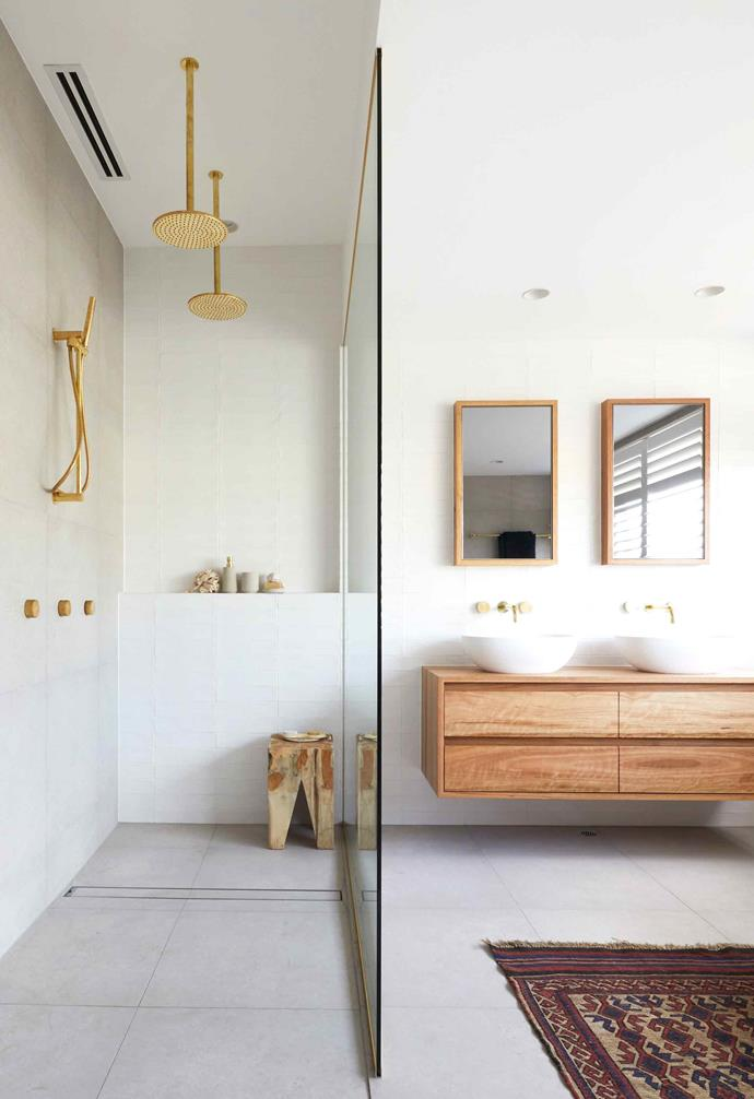 **Week 6, Master Ensuite** Keeping their design choices consistent throughout the house, the master ensuite features more gold tapware and fixtures for a glamourous contrast to the warm neutral and timber palette.