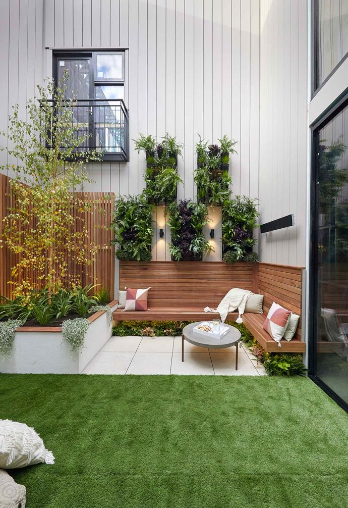 "**Week 9, Courtyard** Feeling the pinch of their dwindling budget, Andy and Deb opted for a laid-back approach to [courtyard week](https://www.homestolove.com.au/the-block-2019-courtyard-room-reveals-20721|target=""_blank""). The couple chose to create an in-built timber bench and timber batten garden bed, with a series of [vertical gardens](https://www.homestolove.com.au/vertical-garden-ideas-18432