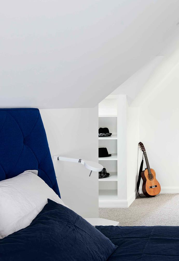 **Blue wing** Making the most of the available space, the bedroom is full of innovative storage solutions.