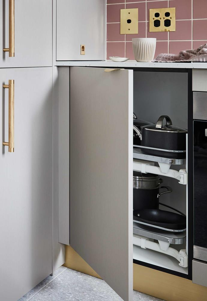 "**Clever cabinetry** Think outside the box when it comes to making the most of your corners like  this clever idea in a [compact Sydney apartment](https://www.homestolove.com.au/small-apartment-design-ideas-20593|target=""_blank"")."