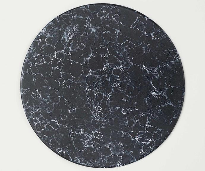 "Round black marble serving tray, $59.99, [H&M](https://www.hm.com/au/|target=""_blank""