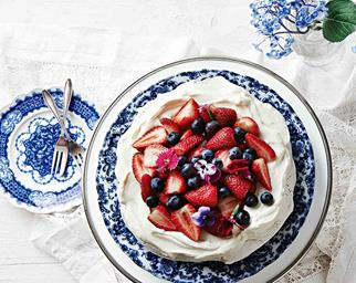 Pavlova with berry topping