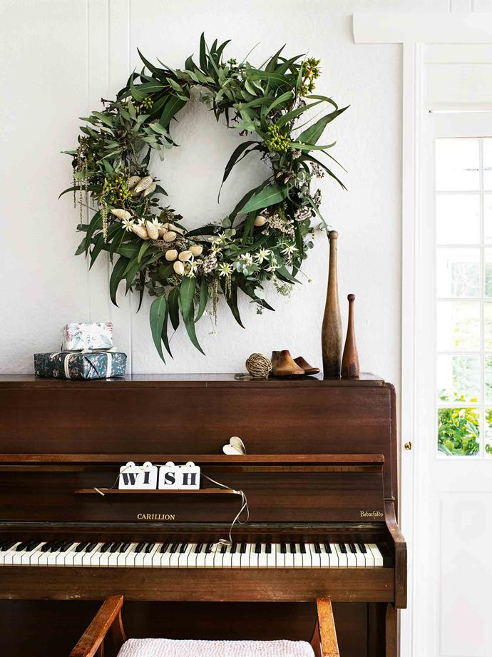"The bush-inspired wreath is from [My Violet](https://www.myviolet.com.au/|target=""_blank""