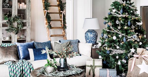 15 Stylish Christmas Decorations Homes To Love