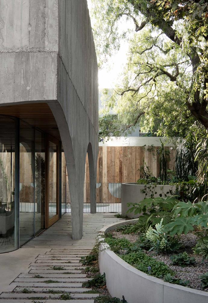"The concrete exterior of this home by [Edition Office](http://edition-office.com/|target=""_blank""
