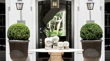 10 elegant entryways