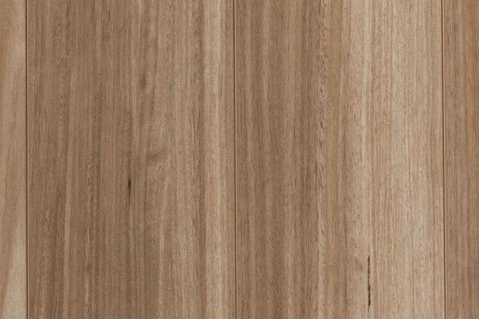 "Plantino Noosa laminate in Barwon Blackbutt, [Choices Flooring](https://www.choicesflooring.com.au/|target=""_blank""|rel=""nofollow"")."