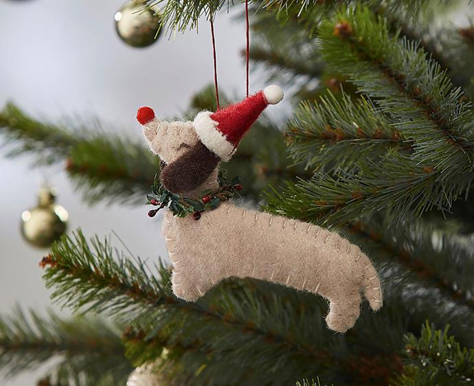 "Morgan & Finch wollen dachshund decoration, $7.96, from [BED BATH N TABLE](https://www.bedbathntable.com.au/gift/xmas/tr-woollen-dachshund-dec-ivory-red-20152101|target=""_blank""|rel=""nofollow"")"