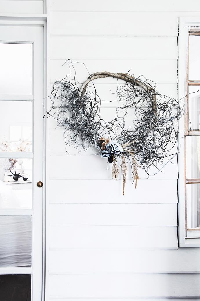 The first thing that greets you when you arrive at homeowner Lisa's door is a wreath she handmade.