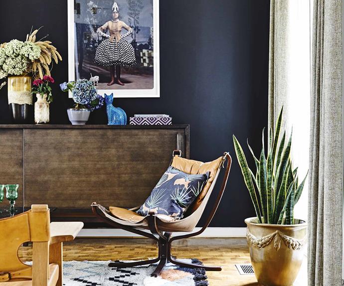 living-room-dark-walls-aug13
