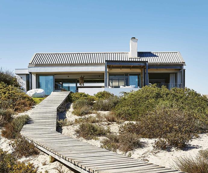 A contemporary beach house that perfects coastal style