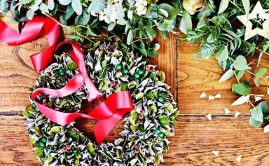 How to make a Christmas table wreath in 5 easy steps