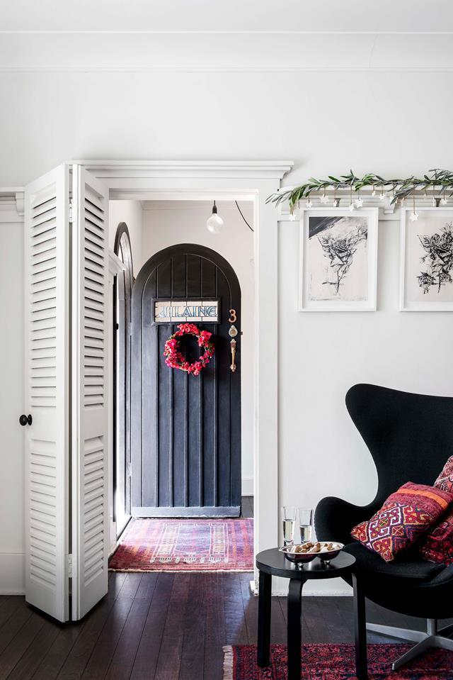 "A north-Brisbane family have poured heart and soul into their [1933 Spanish-style home](https://www.homestolove.com.au/spanish-style-home-with-courtyard-19510|target=""_blank""), just made for entertaining. The feature flower in the Simpson/Craig household this Christmas is bougainvillea, announced by a wreath at the front door."