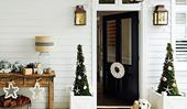 Deck the halls: Christmas entryway decorating ideas