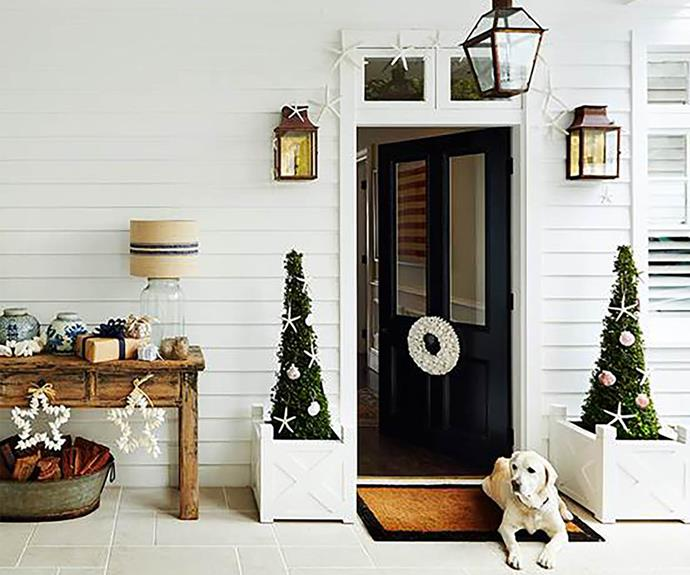 Deck the halls: Christmas entryway decorating ideas