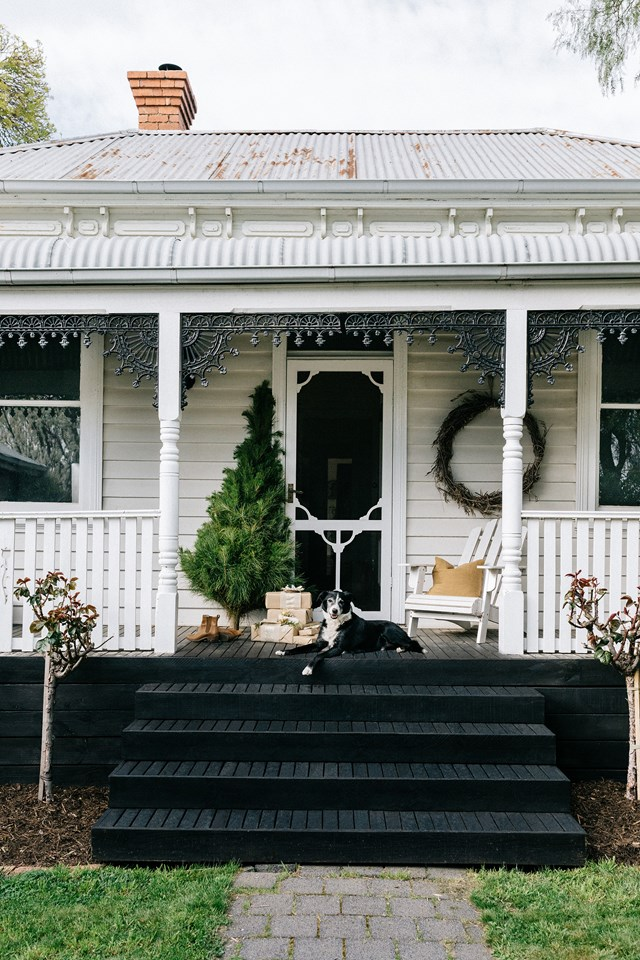 "Photographer [Marnie Hawson's charming cottage](https://www.homestolove.com.au/photographer-marnie-hawson-cottage-victoria-20958|target=""_blank"") in Central Victoria is all set to host a stress-free and sustainable Christmas. ""I'd like it to be relaxed, as I don't believe in Christmas mayhem. It will be very simple with neutral decorations,"" she says."