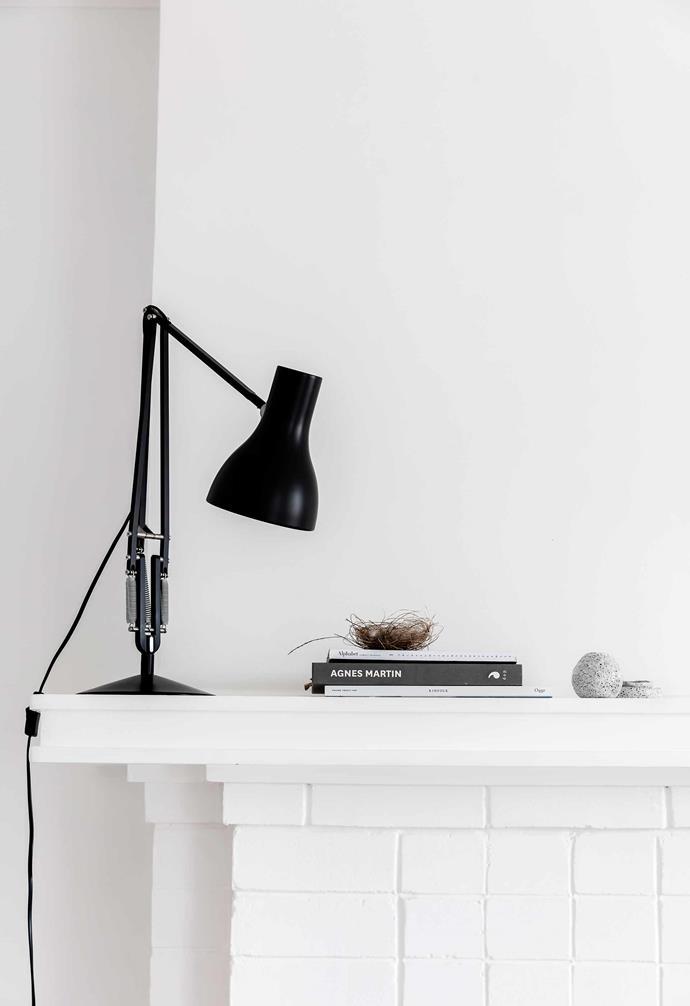 "**Living area** Jessie has stuck to a simple-but-so-effective base palette of [Dulux](https://www.dulux.com.au/|target=""_blank""|rel=""nofollow"") Vivid White."