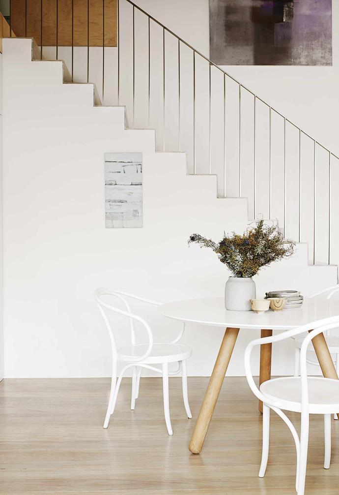 *Architecture: Benn + Penna Architecture | Styling: Claire Delmar | Photography: Prue Ruscoe | Artwork: Coastline 14 by Donna Ravenscroft*
