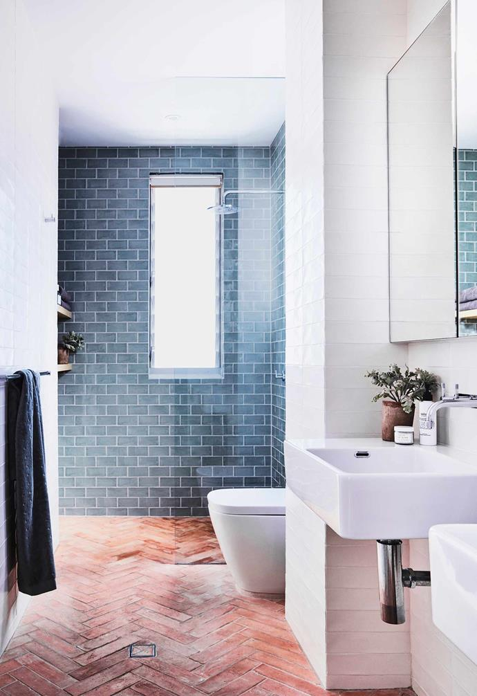 """**Ensuite** The floor tiles are before Leah's time but she's been told that the wall tiles are a handmade terracotta design called Antico Arrotato Cotto from [Eco Outdoor](https://www.ecooutdoor.com.au/ target=""""_blank"""" rel=""""nofollow""""). Basins, tapware and toilet, [Parisi](http://www.parisi.com.au/ target=""""_blank"""" rel=""""nofollow"""")."""