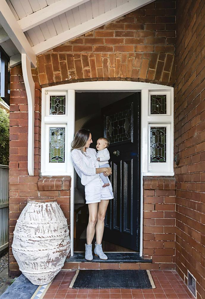 "**Jennie, how did you manage to [renovate a kitchen](https://www.homestolove.com.au/kitchen-renovation-steps-19910|target=""_blank""), bathroom and laundry with a three-month-old in tow? **<br><br>It was actually easier to complete the renovation before Harper started crawling through builders' dust, eating nails and needing purees! Given I was couch-bound while pregnant, I would simultaneously be reading magazines and searching Pinterest and websites on my phone for products and inspiration for when the time came to renovate.<bR><br>**Portrait** Jennie with baby Harper."
