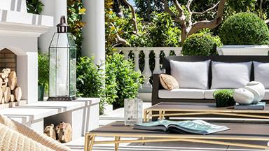 8 luxurious outdoor living rooms