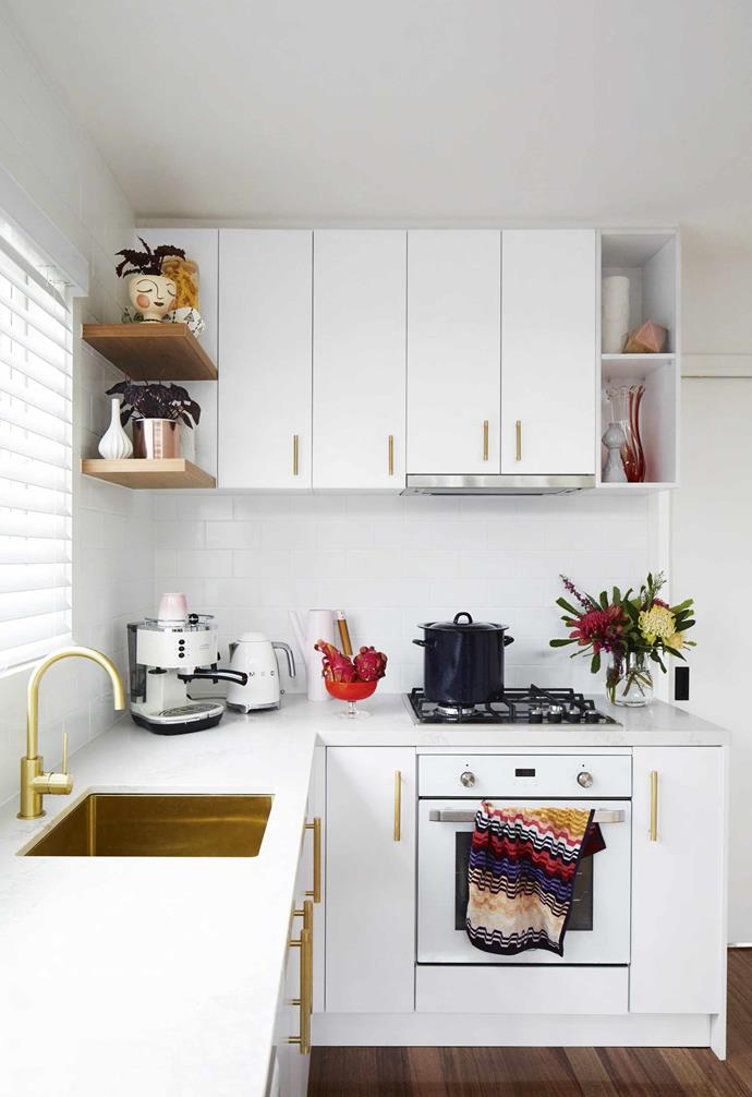 "**Kitchen** ""We are foodies and love to cook with good local produce,"" says Vanessa. Caesarstone in Statuario Maximus was picked for the benchtops and peninsula, with a 'Spectra' sink from [Oliveri](https://oliveri.com.au/