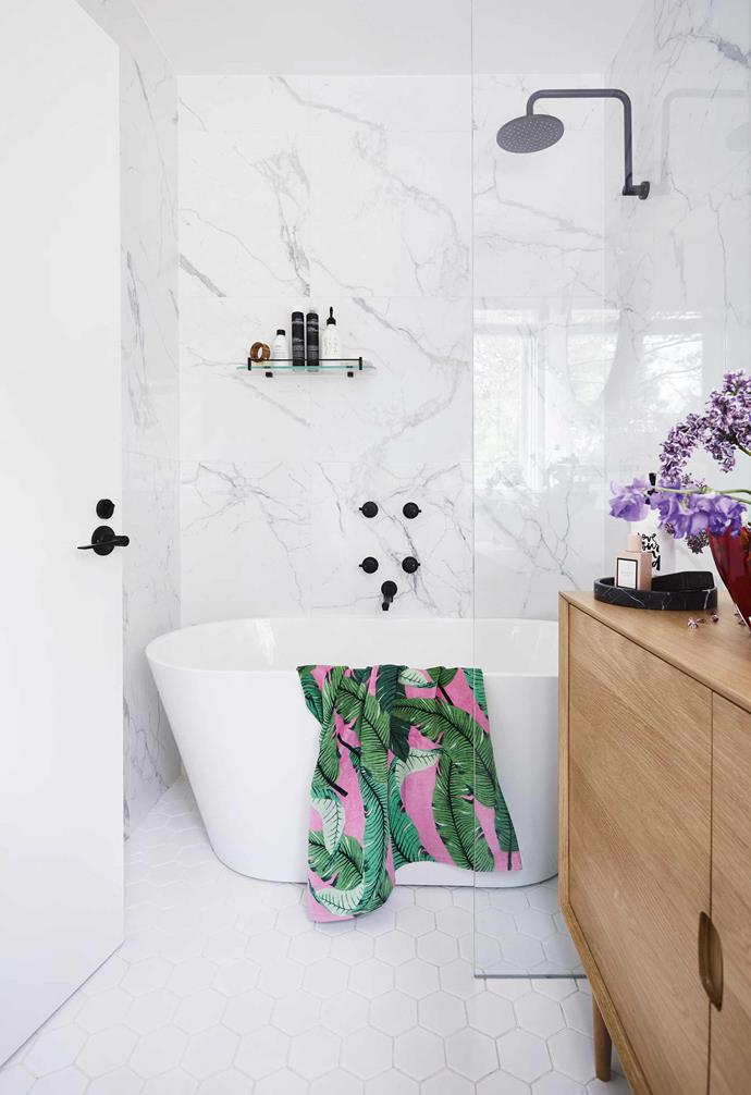 "**Bathroom** Marble-look wall tiles from [Di Lorenzo](https://www.dilorenzo.com.au/|target=""_blank""