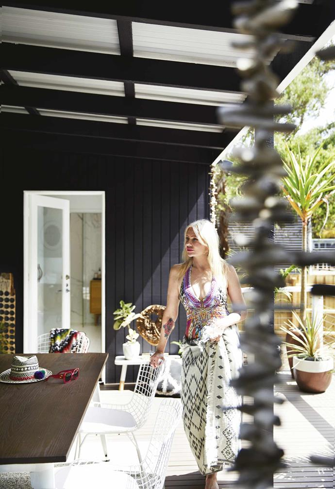 """**Deck** At the house's rear, this spot hosts many a long lunch. The home's exterior was painted in [Dulux](https://www.dulux.com.au/