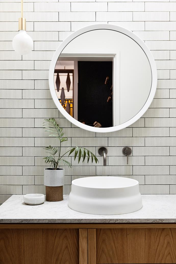 Grey grout is a low-maintenance alternative to white or light-coloured finishes.