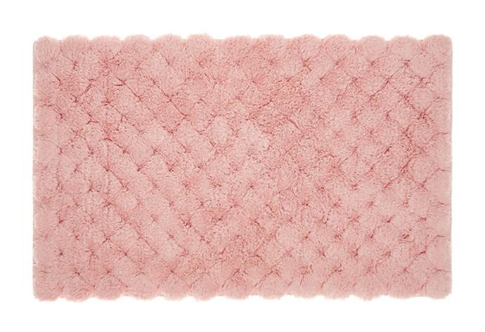 "Linen House pom pom cotton bath mat, $39.95, from [Temple & Webster](https://www.templeandwebster.com.au/Pom-Pom-Cotton-Bath-Mat-01931F-LNHO2351.html|target=""_blank""|rel=""nofollow"")"