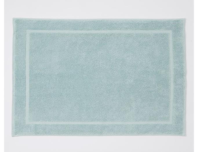 "Dri Glo Egyptian cotton towel collection bath mat in cloud, $30, from [Target](https://www.target.com.au/p/dri-glo-egyptian-cotton-towel-collection-cloud/62468237|target=""_blank""