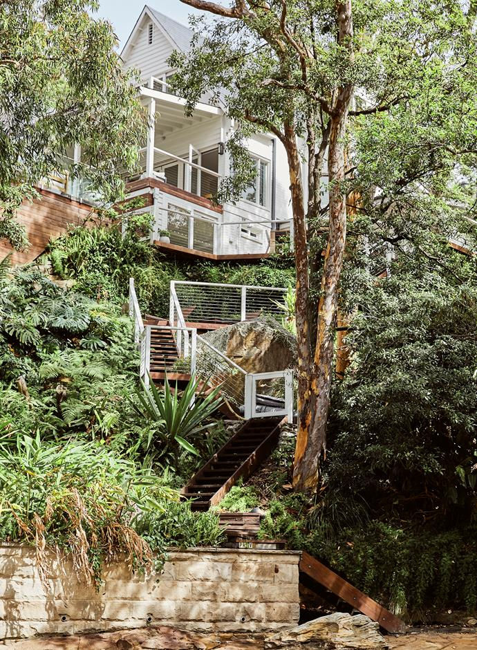 The winding stairs give the family direct access to the beach.