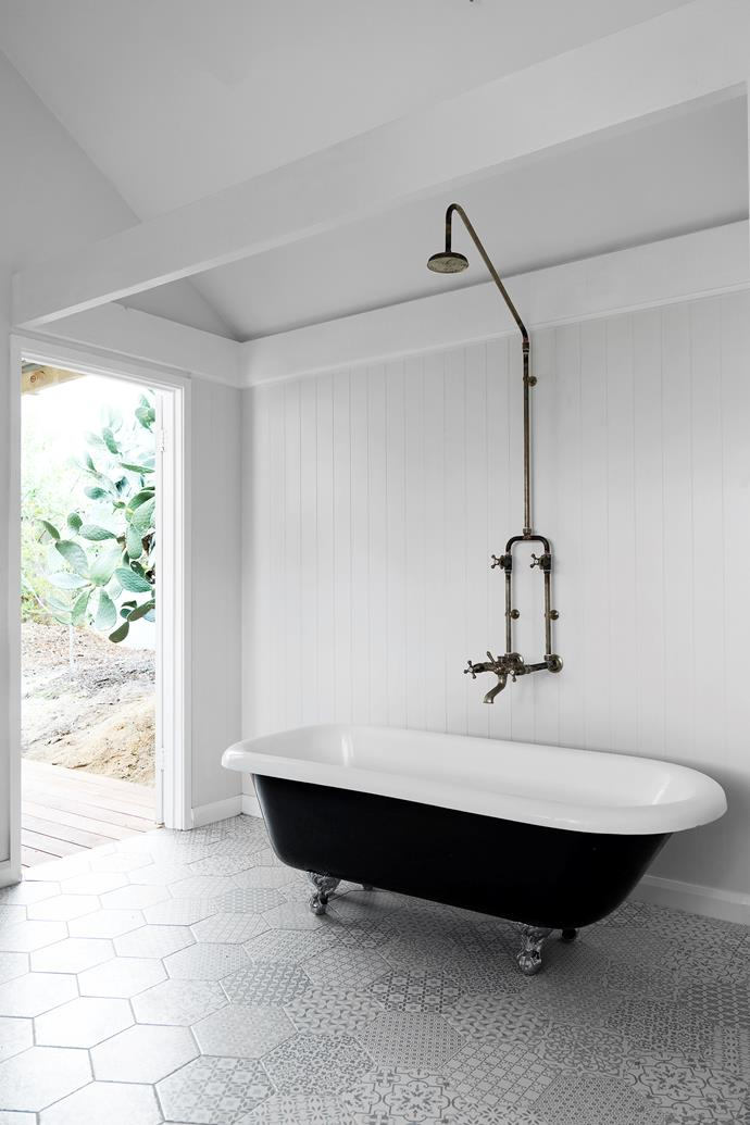 "The Kawa Heart Studio bathroom's white colour scheme, freestanding tub and patinated tapware embody a ""quintessentially laidback Australian style"""