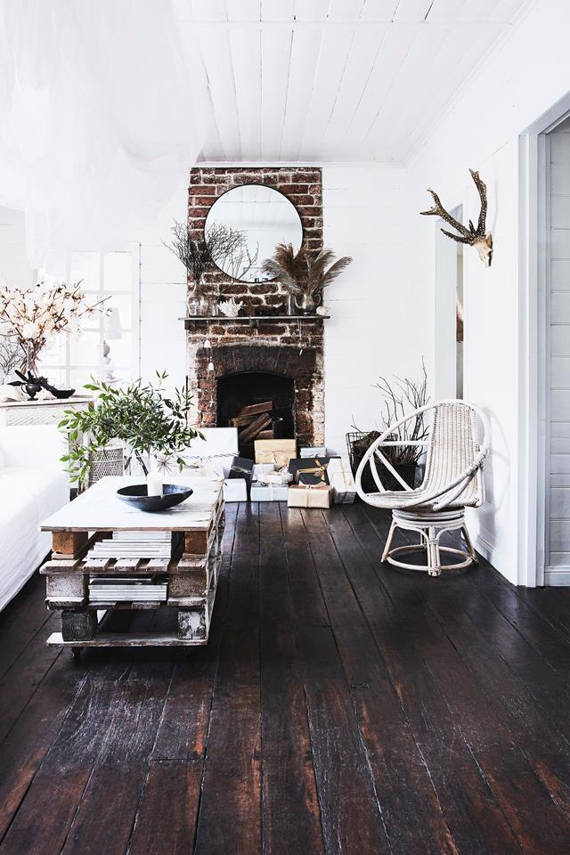 """""""It was a conscious decision to minimise colour and amplify texture,"""" Lisa says of her [historic cottage](https://www.homestolove.com.au/the-cottage-kangaroo-valley-19551