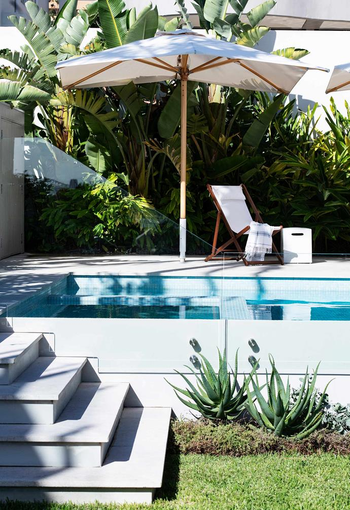 "Before they renovated, the owners of this Sydney garden had a few issues to tackle, mainly centred around their old and leaking pool. Landscape designer [Hugh Burnett](http://www.hughburnett.com/|target=""_blank"") came to the rescue with a new design that's been raised up to capture views."