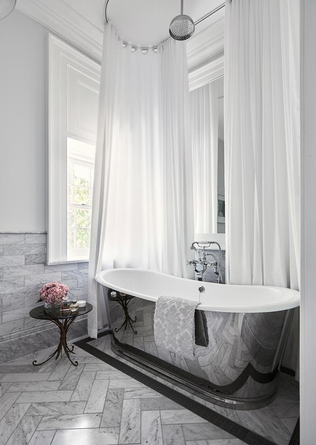 """The highlight of this luxe ensuite within a [restored historic home](https://www.homestolove.com.au/restoration-of-a-historic-sydney-home-6524