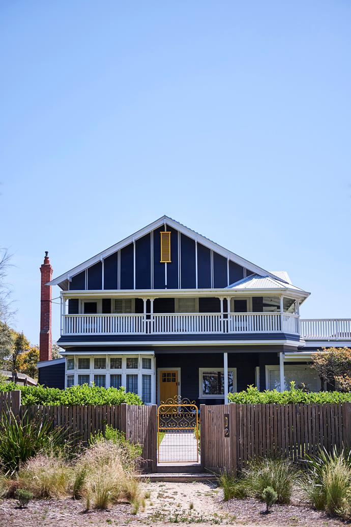 "A colourful California bungalow-style beach house in Barwon Heads. [Take a tour >](https://www.homestolove.com.au/californian-bungalow-barwon-heads-17909|target=""_blank"")"