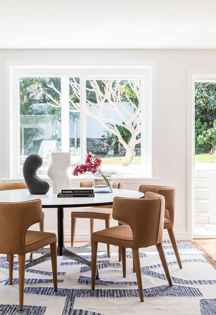 """**Dining room** """"I've always had round tables in my home,"""" says Wanda. """"They encourage conversation and I love that there isn't anyone at the head of the table."""" Eames dining table from [Living Edge](https://livingedge.com.au/
