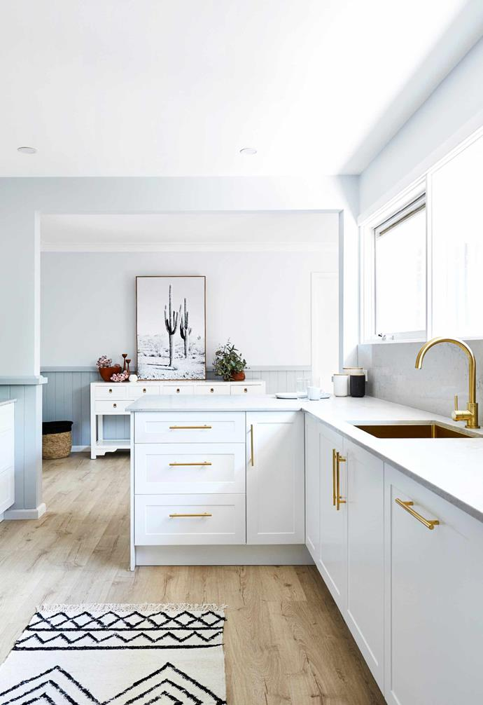 "In the creation of her Hamptons style kitchen space, Jen Bishop used [Freedom's Essential Kitchen](https://freedomkitchens.com.au/|target=""_blank""
