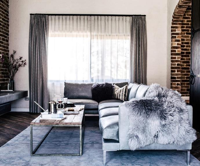 cheap-updates-living-room-art-concept-luxe